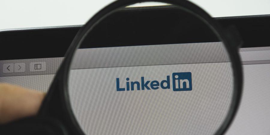 Symbolen in Linkedin header(s) en waarom het werkt